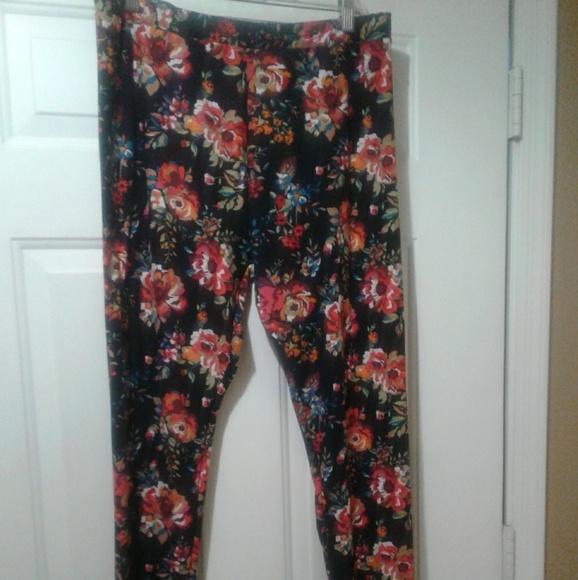 e70c6a644b93e7 Chances R Pants   Floral Leggings Euc   Poshmark